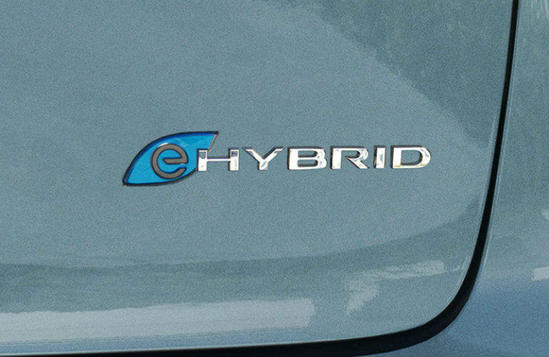 Pacifica Hybrid Forum >> Plug In Levante Shares Engine With The Chrysler Pacifica Maserati